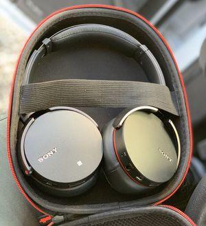 Sony MDR-XB950BT headphones for Sale in Las Vegas, NV
