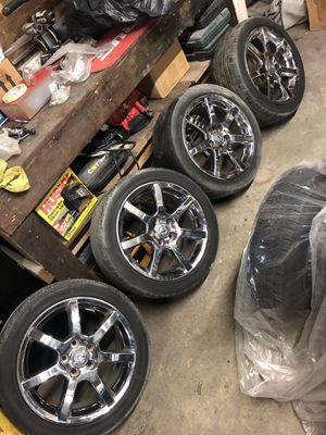 LEXUS GS430 wheels and tires chrome rims for Sale in Burien, WA