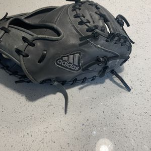 Adidas Baseball Catching Glove for Sale in Puyallup, WA