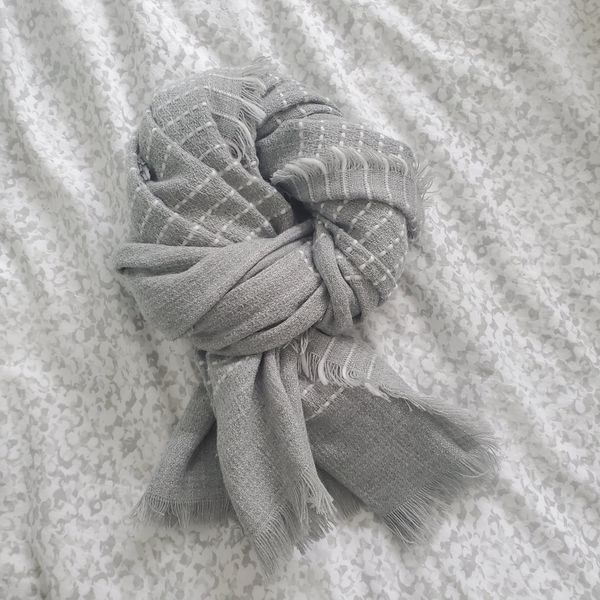 Old Navy Gray Blanket Scarf