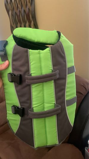 Dog life jacket size M like new for Sale in Oak Hills, CA