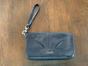 Black Coach Wristlet for Sale in New Haven, CT