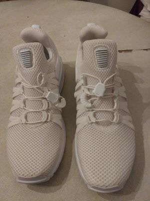 lady's Sneaker white color. NIKE SIZE 7.5 for Sale in Germantown, MD