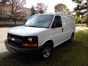 2005 Chevy express van G2500 for Sale in Saugus, MA