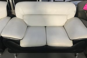 2pc white leather couch set for Sale in Dearborn, MI