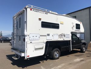 Fleetwood caribou with slideout camper for Sale in Marysville, WA