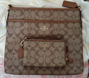 Coach brown/tan large crossbody with matching wallet for Sale in Union City, CA