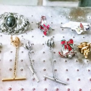 Ladies Gold And Silver Pin And Brooch Lot for Sale in Rio Rancho, NM