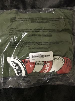 Supreme Olive Cat in the Hat shirt sz M for Sale in San Francisco, CA
