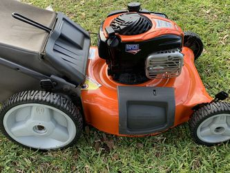 Husqvarna Mower for Sale in Orlando,  FL