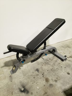 Precor super bench commercial weight bench for Sale in Clearwater, FL