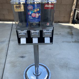 CANDY MACHINE for Sale in Riverside, CA