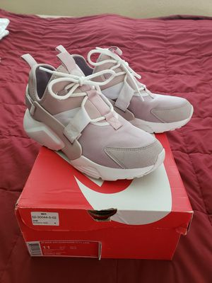 Nike Air Huarache City Low shoes sneakers womens size 11 for Sale in Bartow, FL