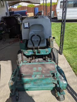 Zero 42in bobcat universal desk up to 52....has 125 hours for Sale in Cleveland,  OH