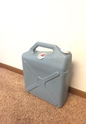 6 gallon water jug for Sale in Ames, IA