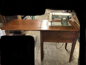 Kenmore Sewing Machine , Model 1120 for Sale in Tacoma, WA