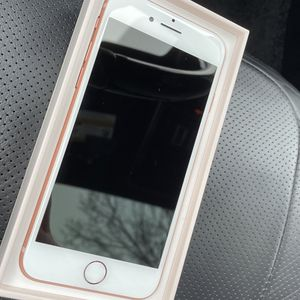 iPhone 8 for Sale in Dearborn Heights, MI