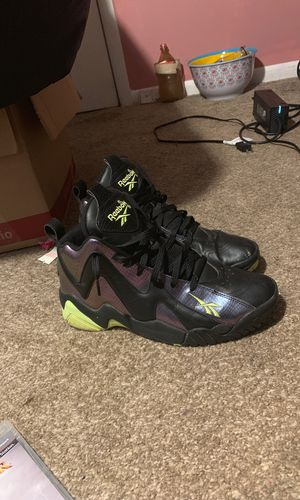 Reebok Kamikaze 2 (10.5) for Sale in Mystic Islands, NJ