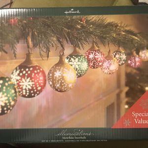 Hallmark Illuminated 15 Snowflakes Snowballs for Sale in Mableton, GA