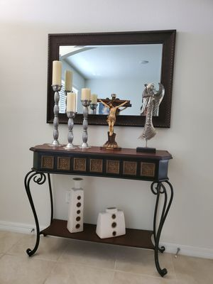 Console table with mirror for Sale in Celebration, FL