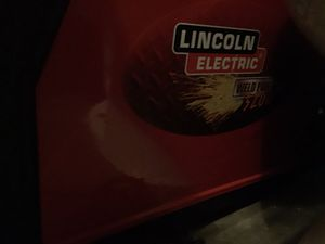 Lincoln 3200HD MIG Welder. Super Clean. Brand New Spool Plus Extra Gun Tip for Sale in Henderson, NV