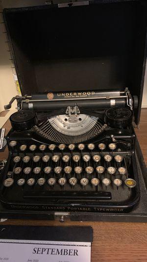 Underwood antique typewriter for Sale in Helotes, TX
