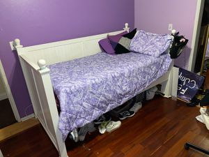 Bed frame for Sale in San Fernando, CA