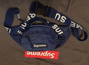 Supreme fanny pack. for Sale in Long Beach, CA
