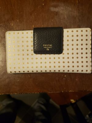 🔥💰Fossil small wallet like new for Sale in Newport, MI