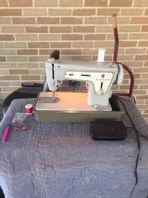 Singer Sewing Machine for Sale in PA, US