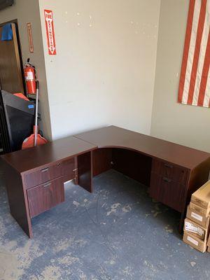 Mahogany Corner Desk for Sale in San Juan Capistrano, CA