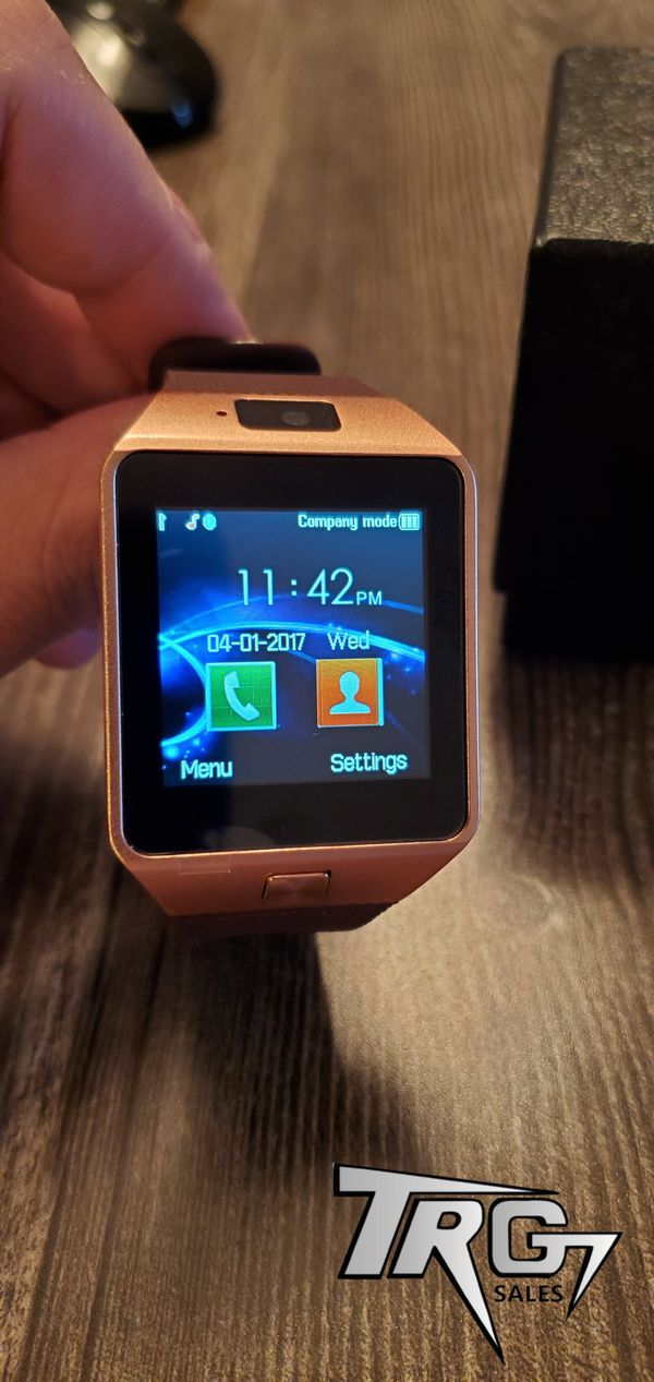 ROSE GOLD BRAND NEW ANDROID IPHONE COMPATIBLE SMART WATCH D9