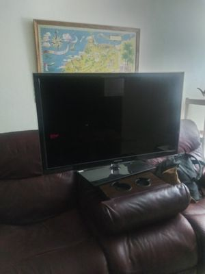 42inch Samsung tv for Sale in Roanoke, VA