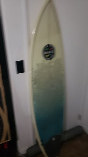 Maui & Sons 6 foot Short Board Surfboard for Sale in Cypress, CA