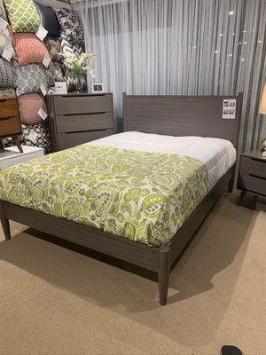 New Modern Gray Platform Bed Frame : Twin / Full / Queen / King / Cal King : Mattress Set Sold Separately : No Box Spring Required : Bedroom Set Avai for Sale in Oakland, CA
