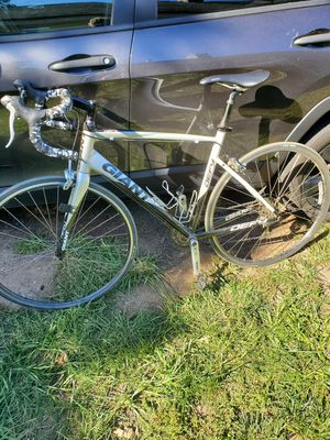 Giant defy Road Bike for Sale in Middletown, CT
