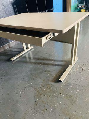 Heavy duty computer desk for Sale in Tulsa, OK