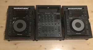 Pioneer - 2X CDJ 900s + DJM 800 + Flight Cases for Sale in Los Angeles, CA