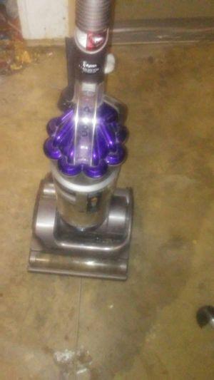 Dyson vac.work good got it in a storage.50. Bar 125. for Sale in Fresno, CA