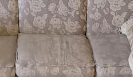Sofa With matching Loveseat Recliner for Sale in Lynn,  MA