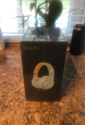 BeatsStudio 3 Wireless HeadPhone for Sale in Irvine, CA