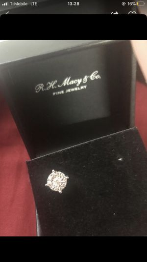 Diamond earring 1/3 cttw 14kw for Sale in New York, NY