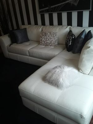 WHITE LEATHER 2 PIECE SECTIONAL for Sale in Washington, DC