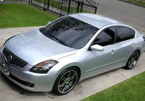 2OO8 Nissan Altima price $1000 for Sale in East Berlin, CT