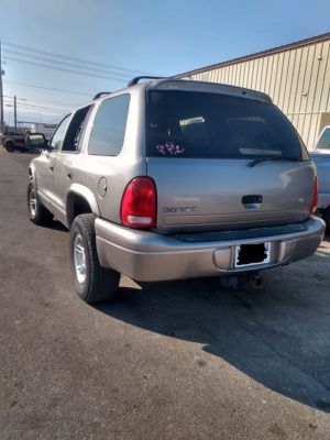 1999 DODGE DURANGO* 4X4 * BASE* 3 ROWS SEATS* 120 000+ MILES* CLEAN TITLE* IT RUNS AND DRIVES GOOD* SE HABLA ESPAÑOL for Sale in Las Vegas, NV