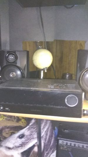 Harmon Kardon Stereo Receiver VR 1610 and (2)Speakers for Sale in Riverside, CA