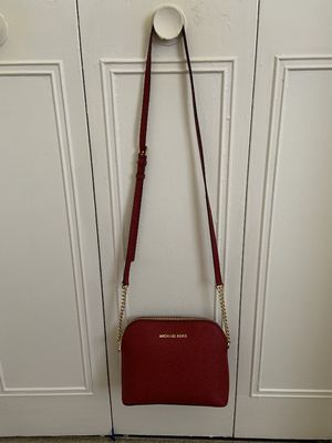 Michael kors crossbody bag for Sale in Manchester, CT