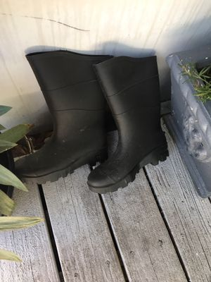 Rain/water boots for Sale in Saint Petersburg, FL