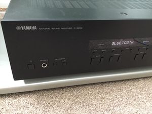 Yamaha R-S202 Stereo receiver with Bluetooth for Sale in San Francisco, CA