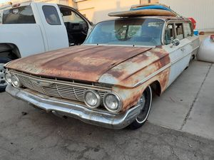 1961 CHEVY PARKWOOD!V8! RUNS GREAT! CLEAN TITLE! 4500$ for Sale in Gardena, CA